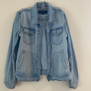 Men's denim jacket!